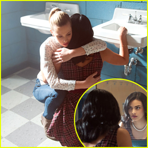 Veronica Breaks Down On 'Riverdale' Tonight & Betty Is Right By Her Side