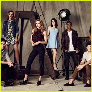 'Famous in Love' Premieres Tonight - See the Full Cast List!