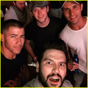 Nick Jonas & Niall Horan Hang With Dan + Shay At Stagecoach Festival