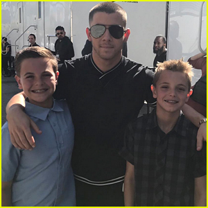 Britney Spears Shares Pic of Her Sons with Nick Jonas at RDMAs!