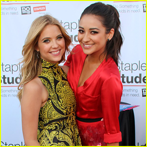 Shay Mitchell Tried To Teach Ashley Benson How To Do Her Lashes, But It Didn't Go So Well