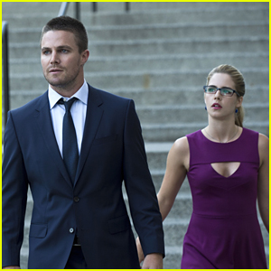Why Did Felicity & Oliver Break Up on 'Arrow'? We'll Find Out Soon!