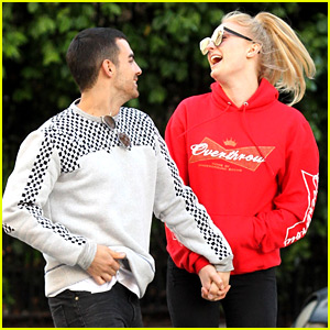 Sophie Turner & Joe Jonas Surely Are Not Hiding Their Love!