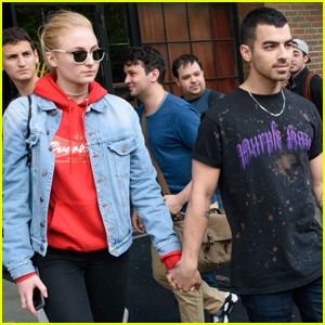 Nick Jonas Captures Sweet Moment Between Joe & Sophie Turner!