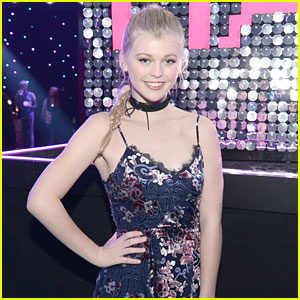 EXCLUSIVE: Loren Gray Next Levels Her Career, Signs With Management