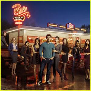'Riverdale' Season One Will Hit Netflix This Week!