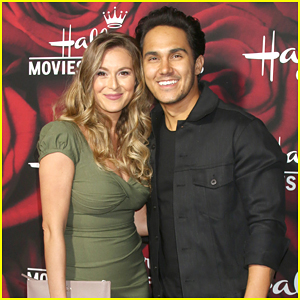 Carlos & Alexa PenaVega To Star In New Comedy Series Together - Details Here!