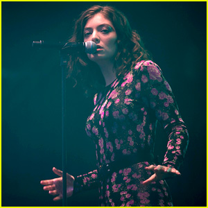 Lorde Wears Floral Jumpsuit for Glastonbury Festival!