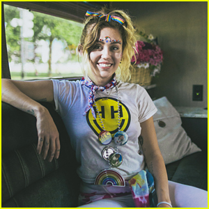 Miley Cyrus Talks Feeling 'Genderless' & 'Ageless' in a New Interview (Video)