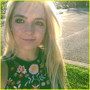 Rydel Lynch Is Sending Positivity Straight To Your Phones!