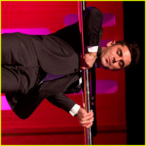 Zac Efron Makes Hanging Onto a Pole Look So Easy (Video)