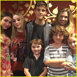 Rowan Blanchard Shows Off Short Hair During GMW Reunion at Sabrina Carpenter's Concert
