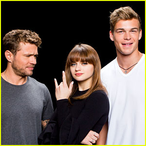 Joey King Praised By Her 'Wish Upon' Co-Star!