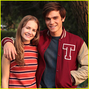 KJ Apa Says Britt Robertson Made His First Film The Best First Film Experience
