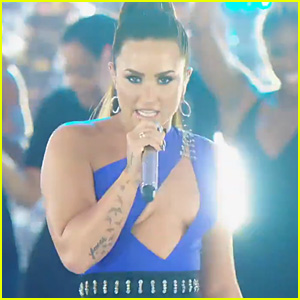 Watch Demi Lovato's MTV VMAs 2017 Performance Video!