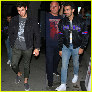 Nick & Joe Jonas Kick It For Lunch & Dinner!