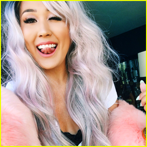 LaurDIY Turned Into The Prettiest Mermaid Ever With a Silver Pink Wig!