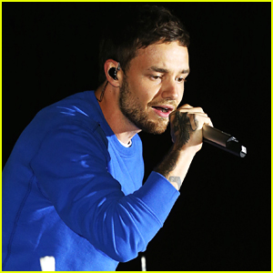 Liam Payne Performs 'Strip That Down' at Event in London!