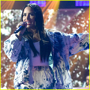 Demi Lovato Performs 'Sorry Not Sorry' at iHeartRadio Music Festival 2017