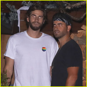 Liam Hemsworth Meets Up with Ryan Rottman at Dinner