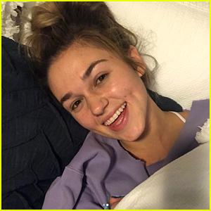 Sadie Robertson Reveals She Struggled With an Eating Disorder & Body Issues in New Live Original Blog