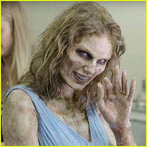 Watch Taylor Swift Transform Into a Terrifying Zombie for Her Music Video!