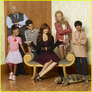 Debby Ryan Celebrates Six Year Anniversary of 'Jessie' Premiere!