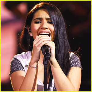 Alessia Cara Gives a Powerful Performance of 'Stay' at the AMAs 2017 - Watch!