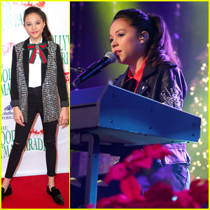 Breanna Yde Performs at Hollywood Christmas Parade 2017