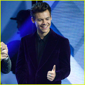 Harry Styles Flashes a Grin During 'X Factor' Italy Performance (Video)