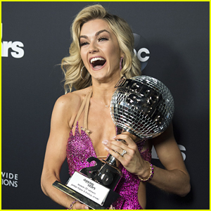 DWTS Pros Val & Maksim Chmerskovskiy, Jenna Johnson & More Celebrate Lindsay Arnold's First Mirror Ball Win