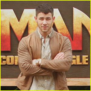 Nick Jonas Looks So Buff Promoting 'Jumanji' in Hawaii!