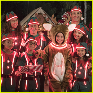 Jenna Ortega Recalls Her Own Chaotic Family Vacation Ahead of 'Stuck at Christmas' Movie Premiere