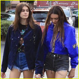 Kaia Gerber Goes Bowling For Buddies With Mom Cindy & Friends