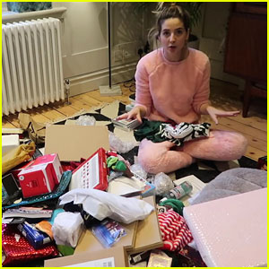 Zoella Does Huge Holiday PO Box Haul!