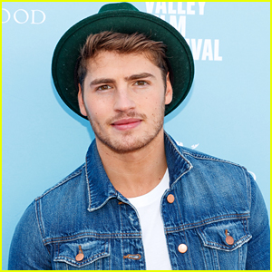 Gregg Sulkin Wants All Networks To Implement A Weekly Therapy Session