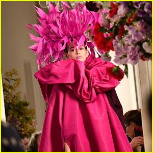 Kaia Gerber Looked So High Fashion During 'Valentino's Paris Fashion Week Show