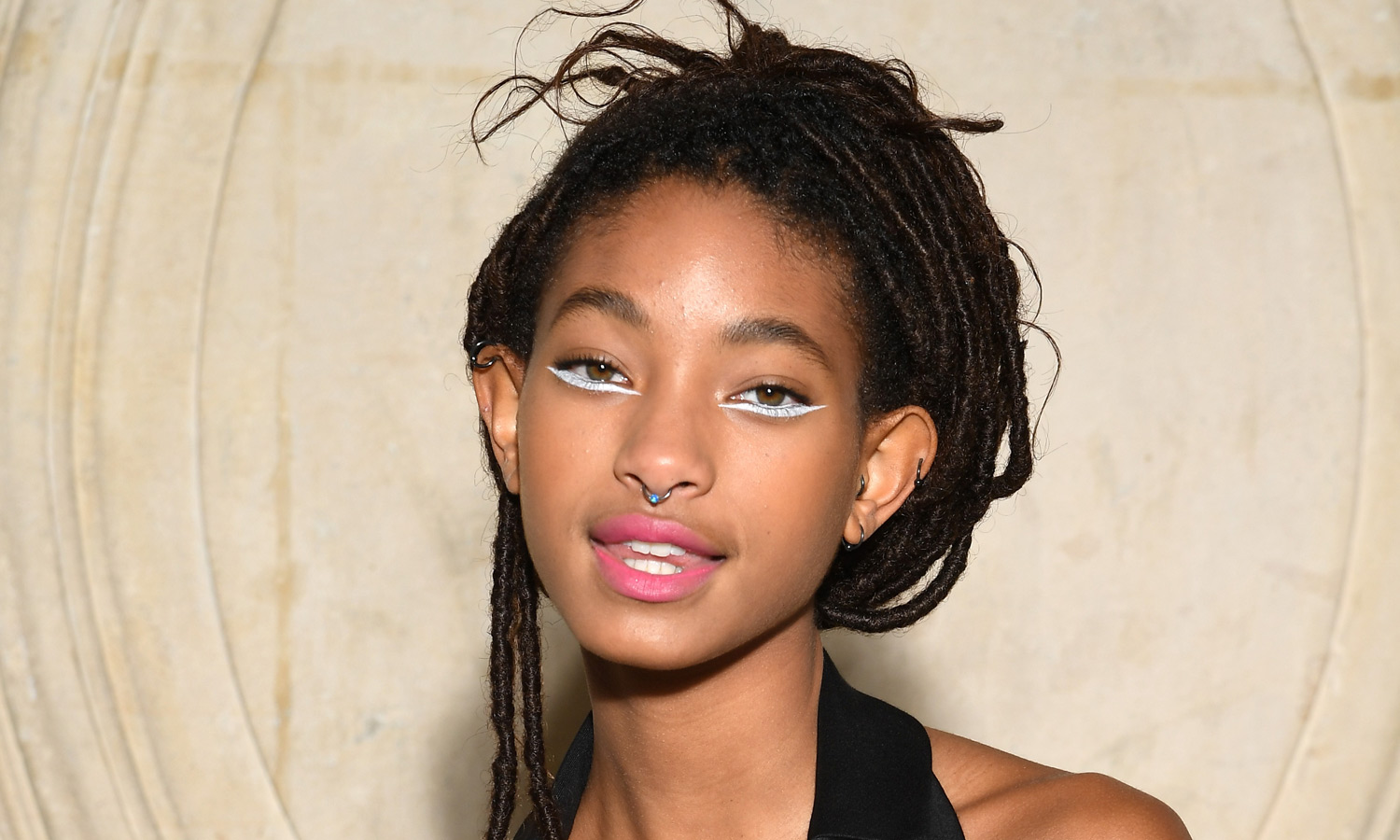 Willow Smith Rocks Silver Eye Makeup At Dior Show Willow
