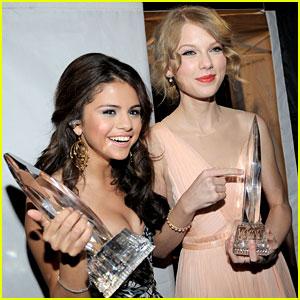 Selena Gomez Makes Appearance in Taylor Swift's Instagram Video