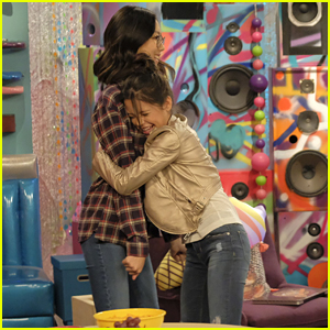 Jenna Ortega Talks About Her Best Friends Before 'Bizaardvark' Appearance Tonight (Exclusive)