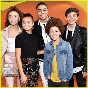 Siena Agudong & Her 'Star Falls' Cast Hit First Kids' Choice Awards Ever!