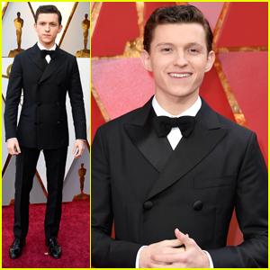 Tom Holland Keeps Bow Ties Cool at Oscars 2018