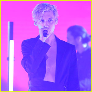 Troye Sivan Wears a Stylish Suit for Latest 'My! My! My!' Performance