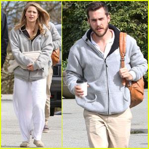 Melissa Benoist & Boyfriend Chris Wood Couple Up on 'Supergirl' Set
