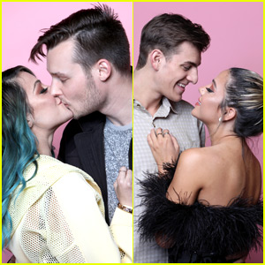 Niki & Gabi Turn BeautyCon's Photo Booth Into a Cute Couple Showdown with Boyfriends Nate West & Collin Vogt