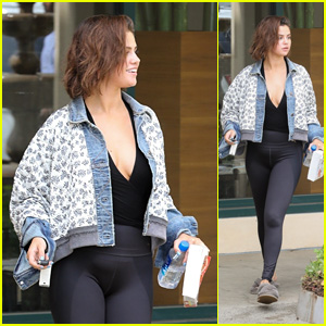 Selena Gomez Smiles While Leaving Pilates Class With Her Bible