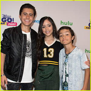 Jenna Ortega Is 'Stuck in the Middle' of Isaak Presley & Malachi Barton at GO! Fan Fest