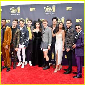 '13 Reasons Why' Cast Are Currently Obsessed With These TV Shows