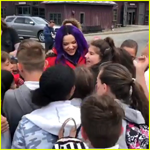Dove Cameron Gets Swarmed By 'Descendants' Fans In New Instagram Video