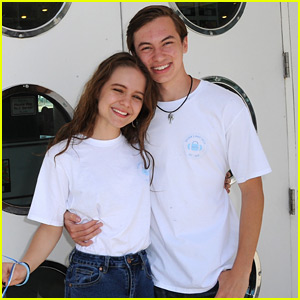 Hayden Byerly Hosts First Ever Hayden's Hope Totes Scavenger Hunt